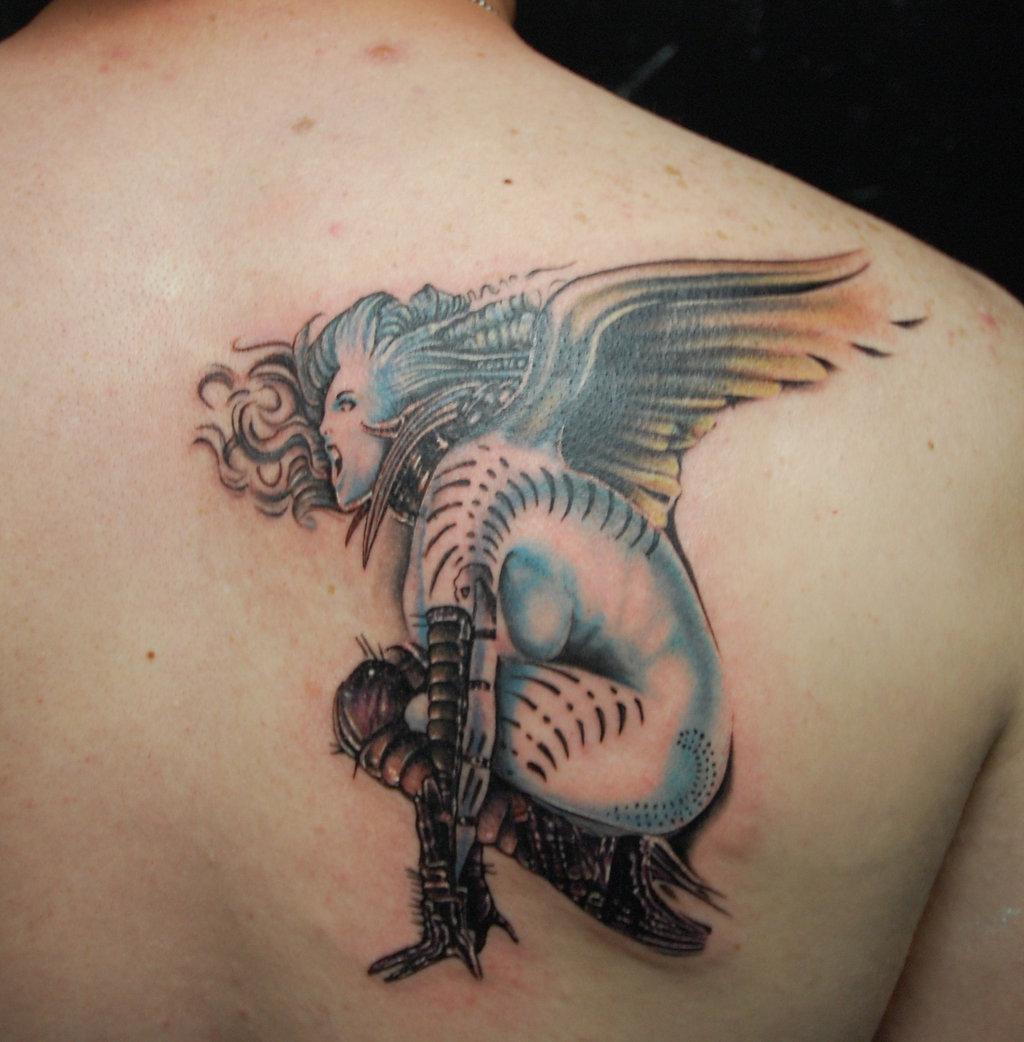 Татуировки на спине для девушек