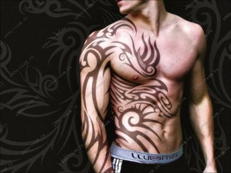 Мужские татуировки на плече