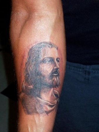 Татуировка на плече иисуса