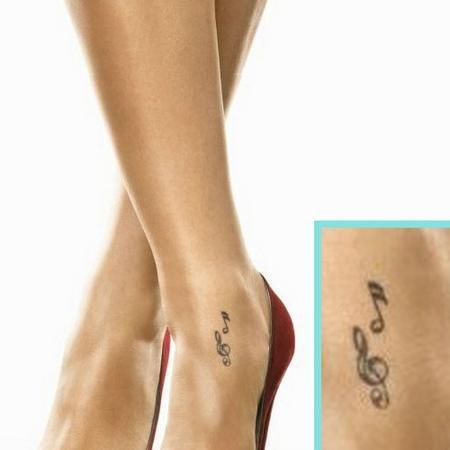 Tattoo на ноге красиво
