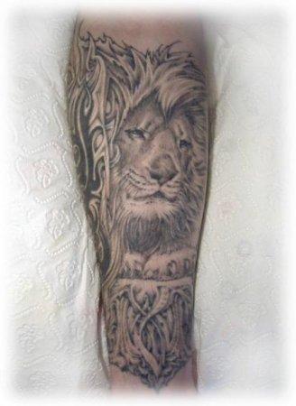 Татуировки на пальцах рук для парней