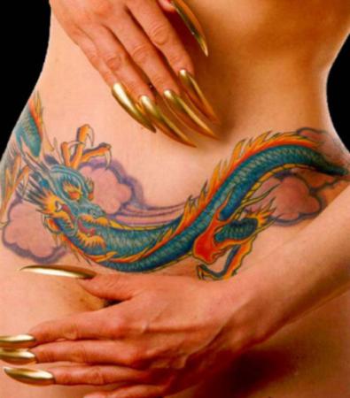 С драконом татуировок фото женских интимных
